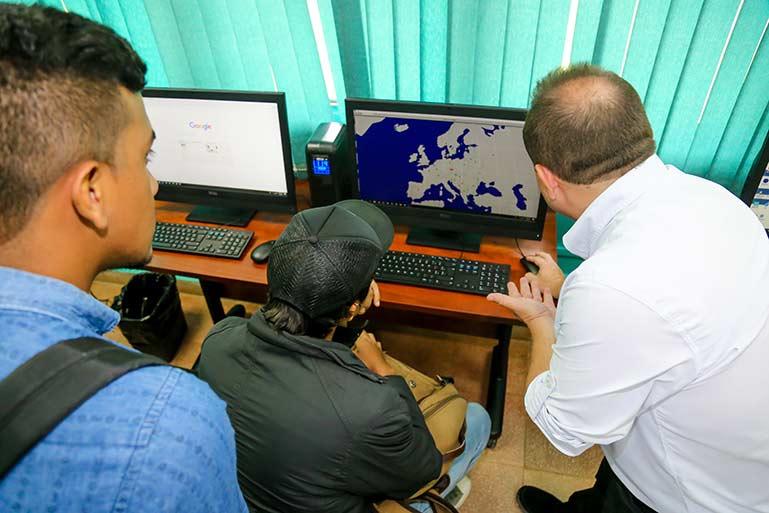 Inauguracuión Infoplaza de la facultad de Ciencias Agropecuaria de la uUniversidad de Panamá